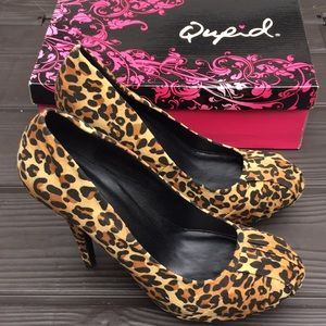 NEW! Qupid leopard print stacked heels size 9 NIB